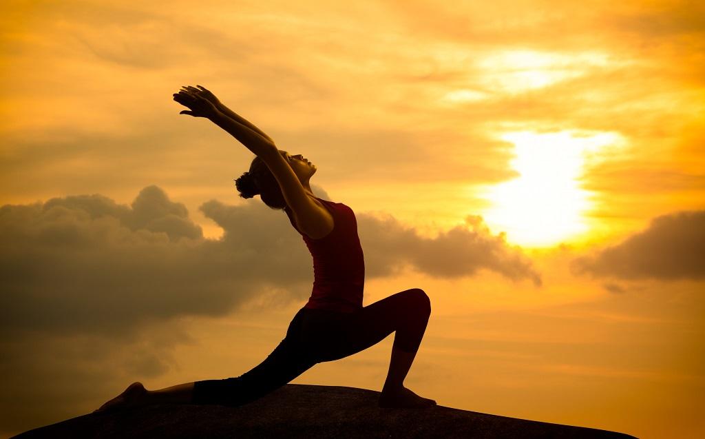 Beneficios del yoga para una buena condición física flexibilidad