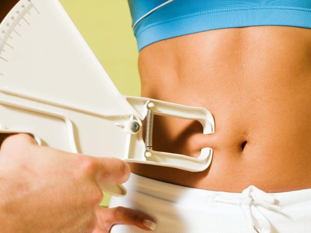 Bajo porcentaje de grasa corporal en mujeres