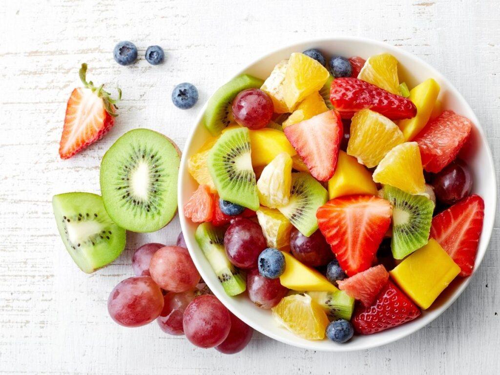 Hacer un batido de proteína con frutas